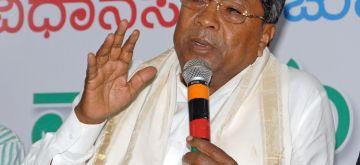Bengaluru: Karnataka Chief Minister Siddaramaiah addressees a press conference in Bengaluru, on May 6, 2018. (Photo: IANS)