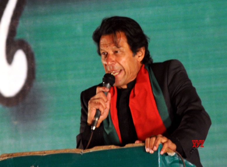 Indian envoy meets Imran Khan, gifts bat signed by Indian team