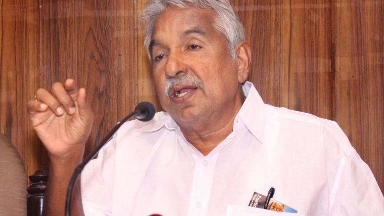 Oommen Chandy to meet Rahul Gandhi for revamping Cong in Andhra