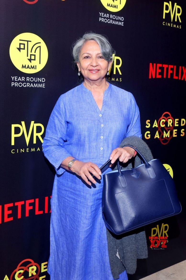Sara is never tongue tied: Sharmila Tagore