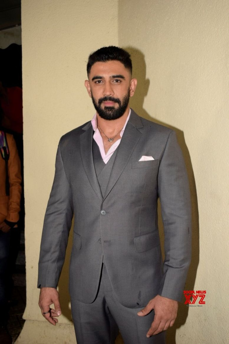 Amit Sadh excited about 'India Strikes-10 Days'