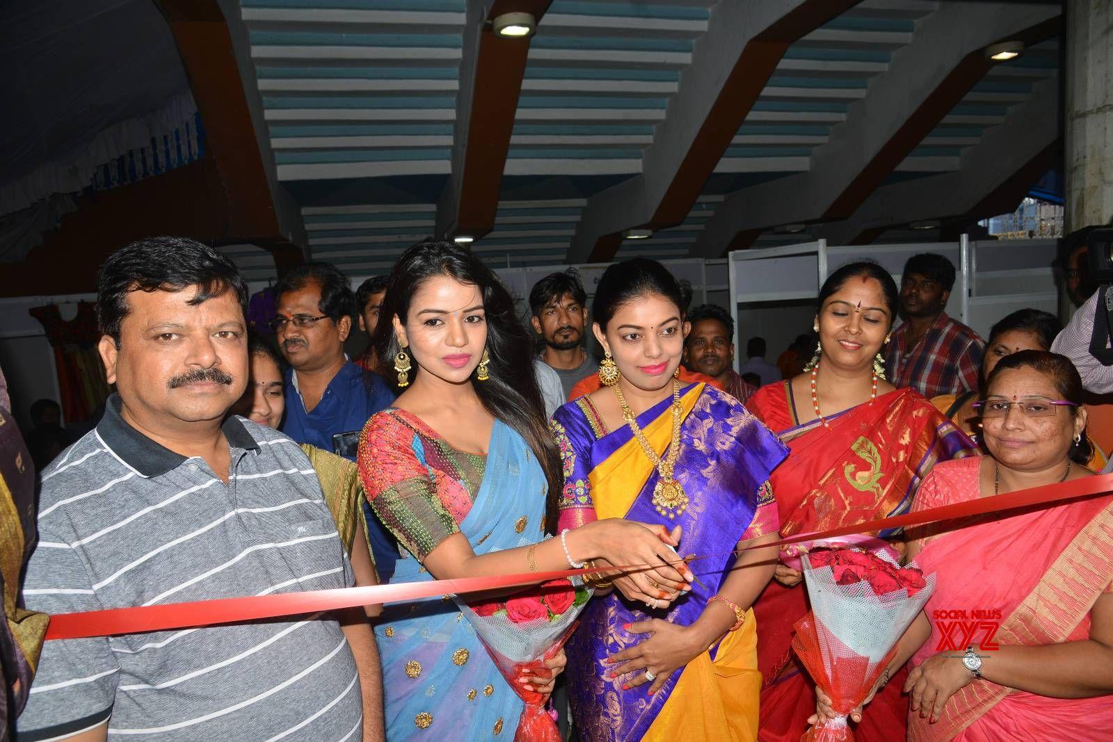 Actress Bhavya Sri Inaugurates Indian Silk Expo At Sri Satyasai Nigamagamam