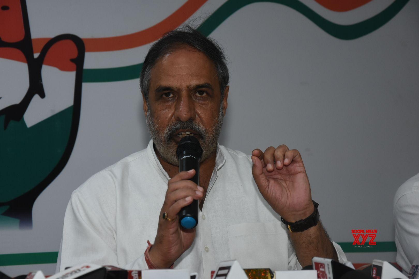Demonetisation anniversary: Congress tears into Modi
