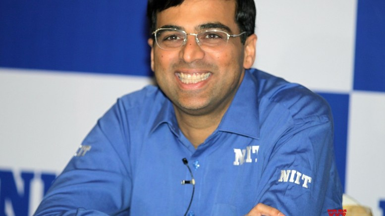 Anand registers first win at Legends of Chess tournament