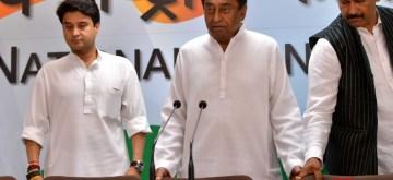 New Delhi: Congress leaders Kamal Nath and Jyotiraditya Scindia during a press conference where Madhya Pradesh Chief Minister Shivraj Singh Chouhan's brother-in-law Sanjay Singh Masani joined the party, in New Delhi on Nov 3, 2018. (Photo: IANS)