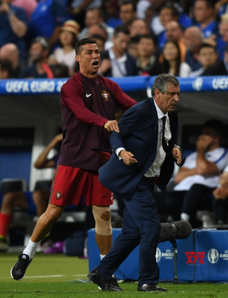 Ronaldo deserves to win Ballon d'Or, says Portugal coach