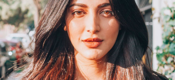 Actress Shruti Haasan Cool New Stills (Courtesy: Instagram)