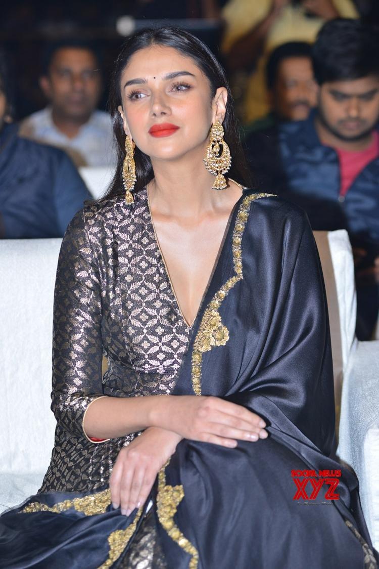 Actress Aditi Rao Hydari Stills From Antariksham 9000 KMPH Movie Pre Release Event