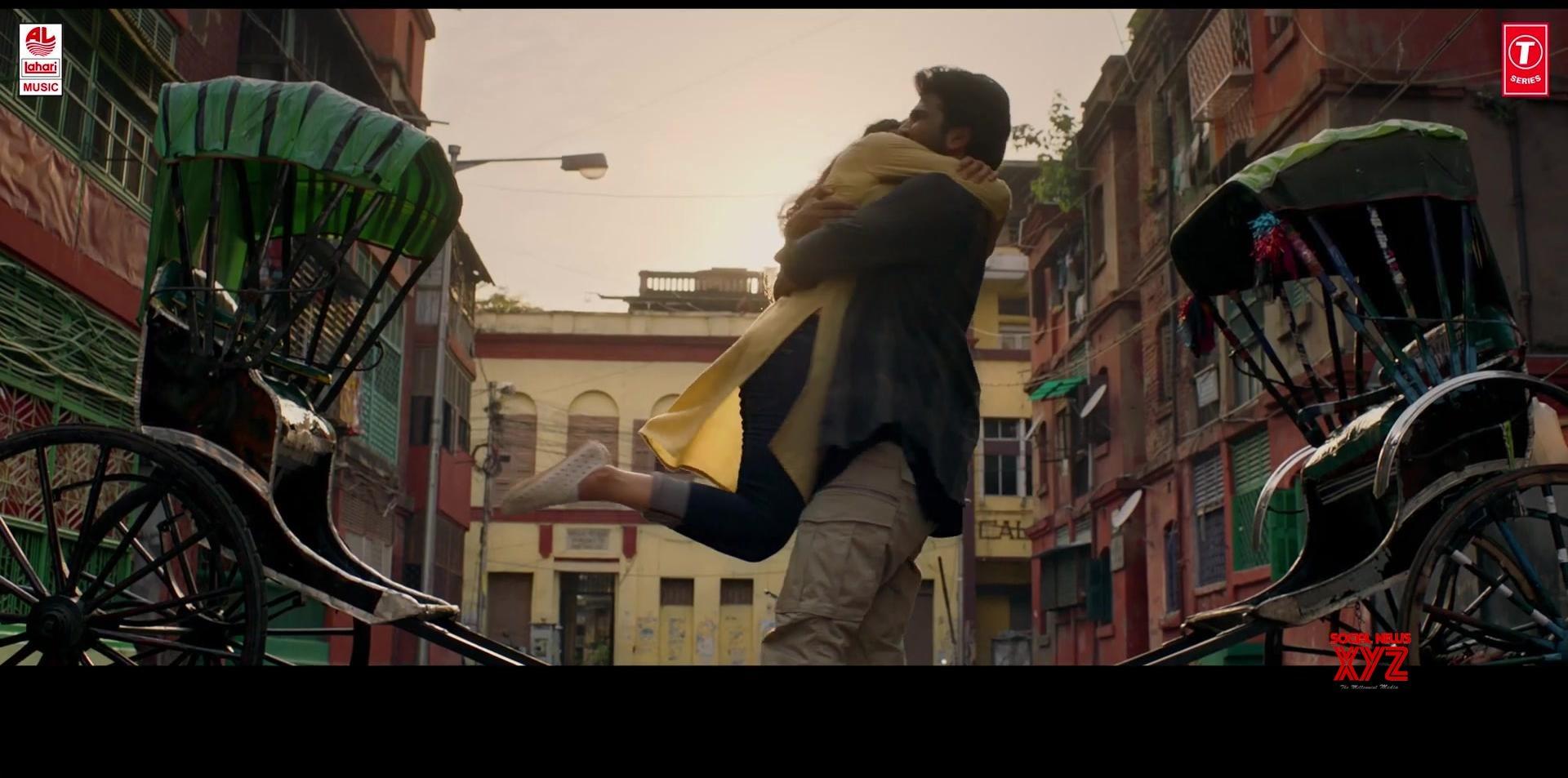 Kallolam Song Stills From Padi Padi Leche Manasu Movie