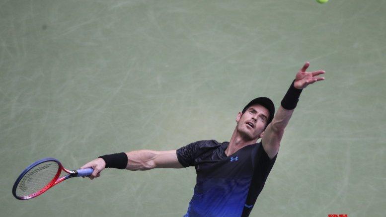 Andy Murray hints at playing doubles at Wimbledon