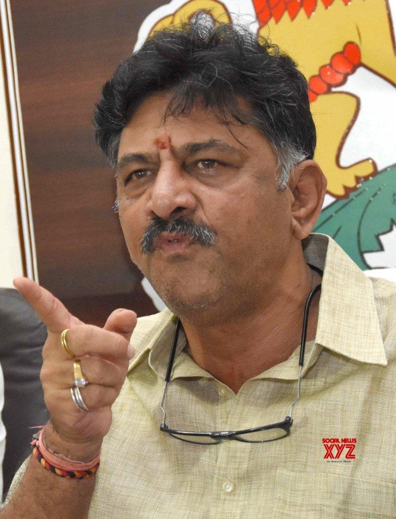 Karnataka Minister alleges poaching of Congress MLAs by BJP