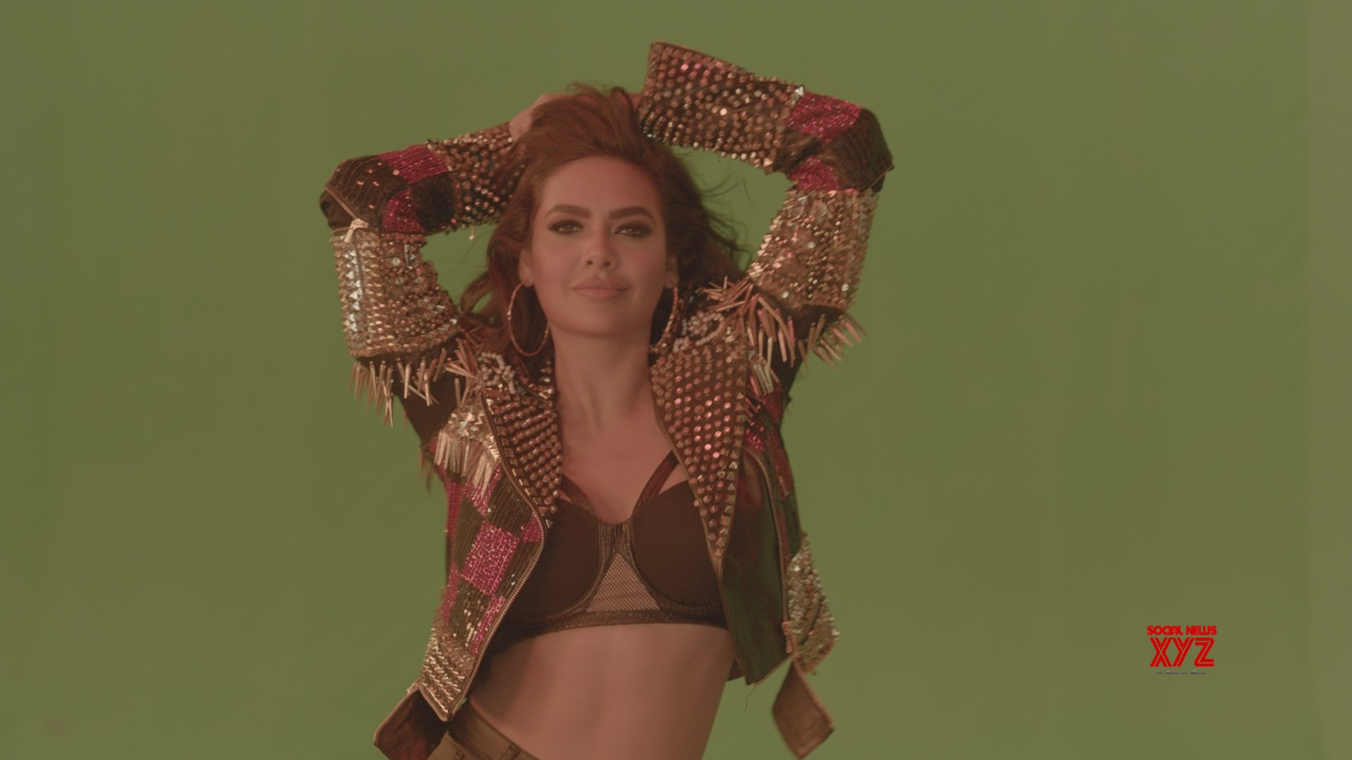 Esha Gupta to feature in video of bold dance track