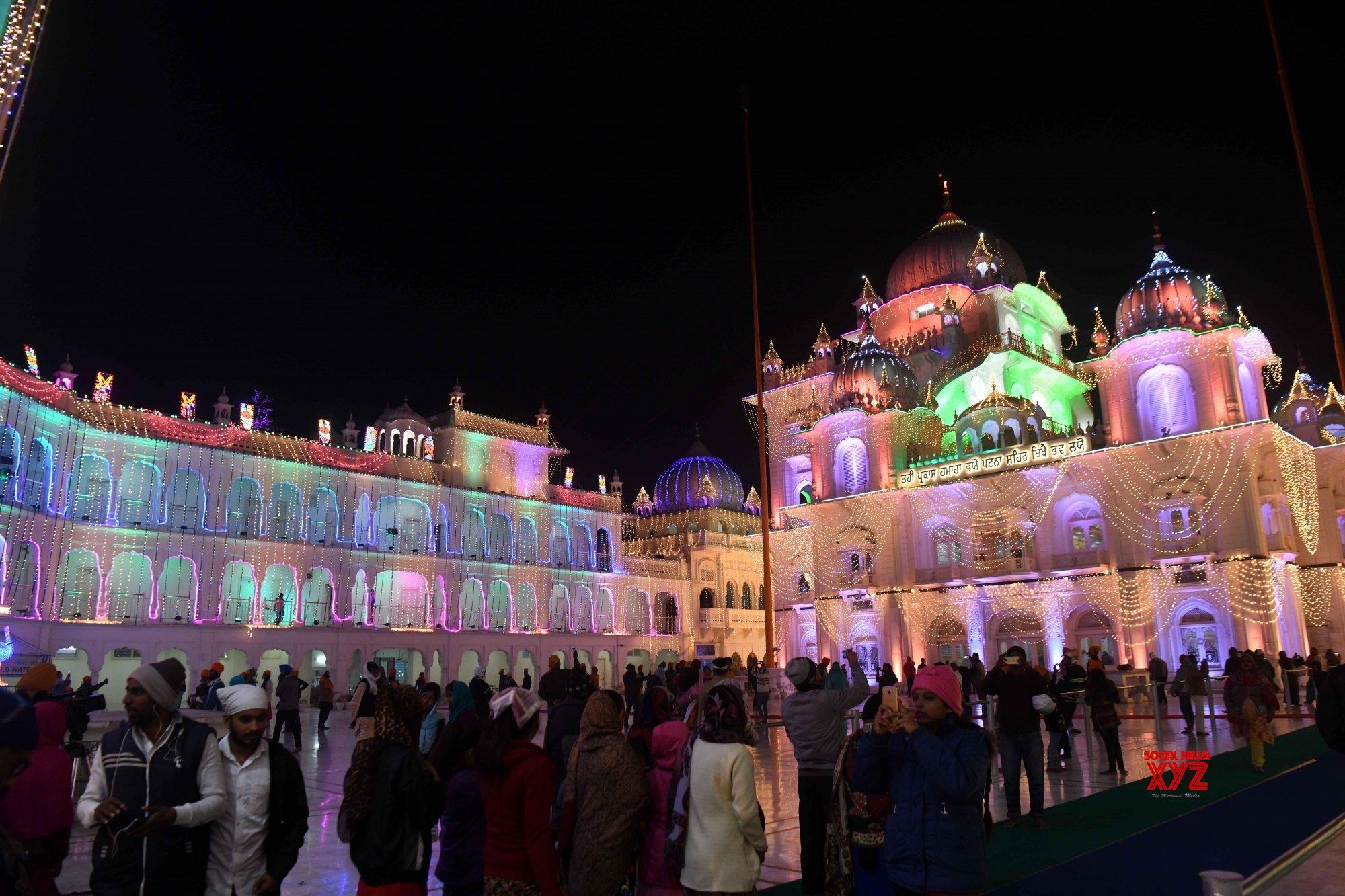 Patna: An illuminated Gurdwara #Gallery
