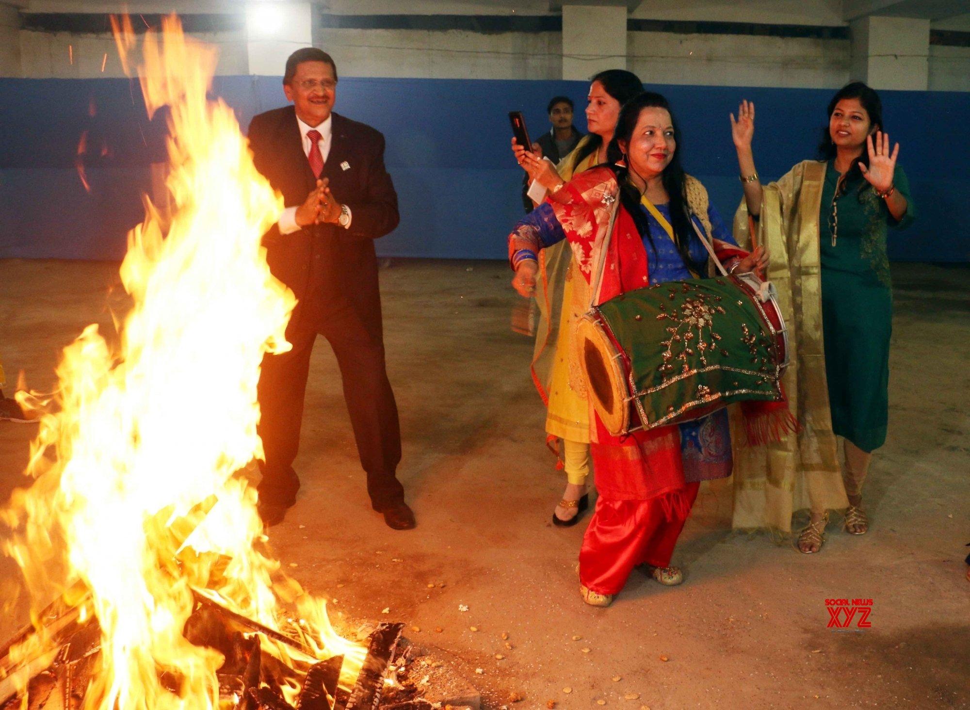 Patna: Lohri celebrations #Gallery