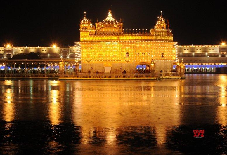 Kovind, Modi pay homage to Guru Gobind Singh on birth anniversary