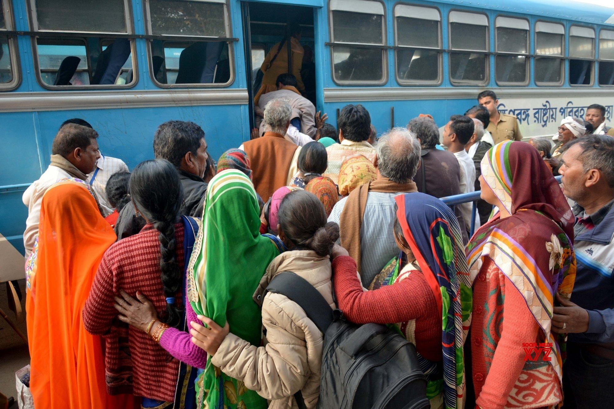 Kolkata: Gangasagar Pilgrims #Gallery