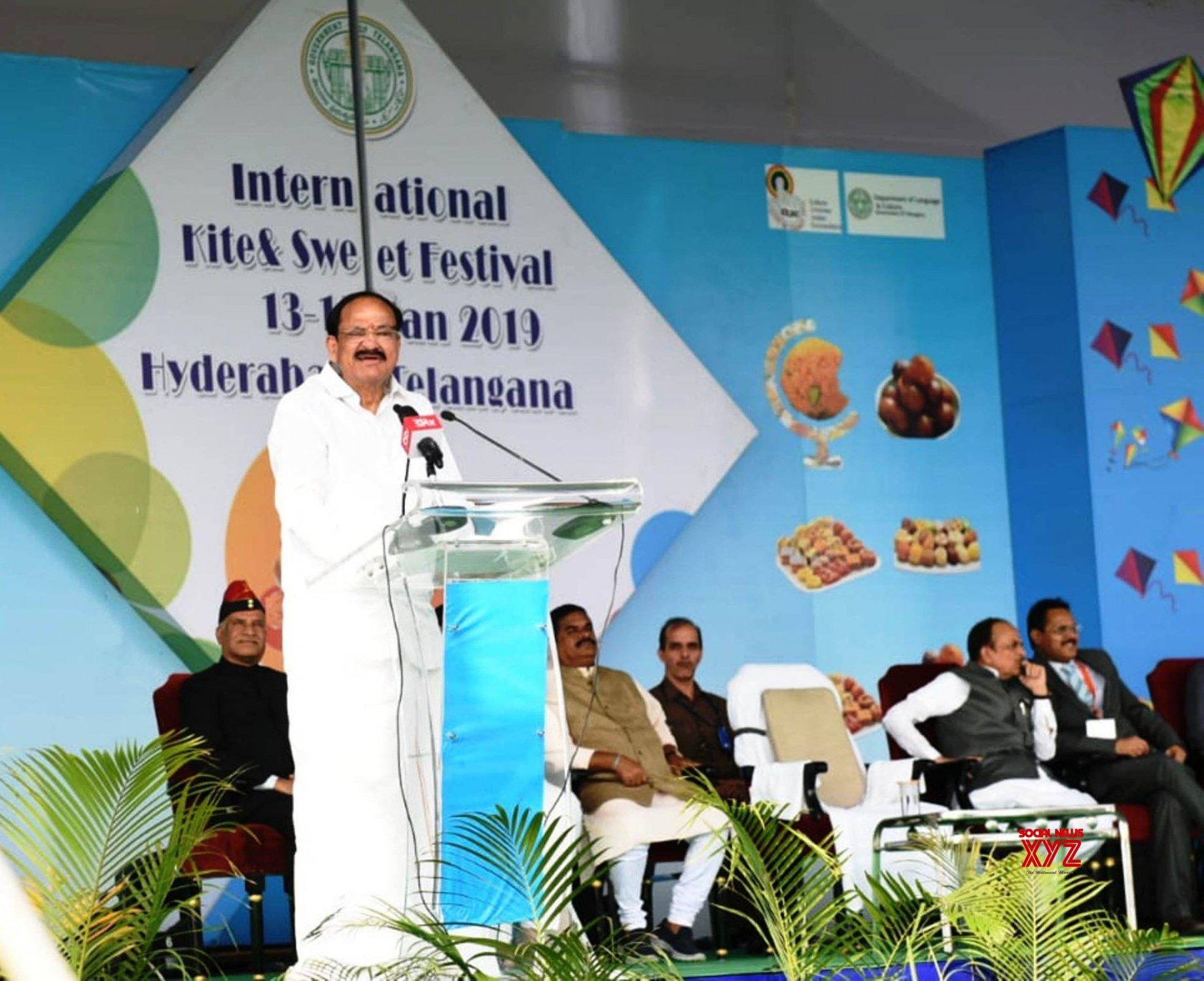 Hyderabad: Venkaiah Naidu at 4th Telangana International Kite Festival #Gallery