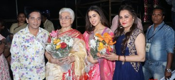 Mumbai: Actress Sara Ali Khan with veteran actresses Asha Parekh and Jaya Prada at Marathi Taraka Awards 2019 in Mumbai on Jan 13, 2019. (Photo: IANS)