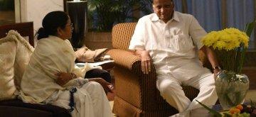 Kolkata: West Bengal Chief Minister Mamata Banerjee meets NCP chief Sharad Pawar in Kolkata on Jan 18, 2019. (Photo: IANS)