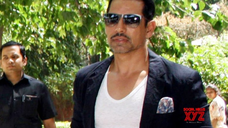 Vadra spends time with family amid lockdown
