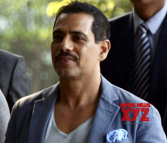 Trouble mounts for Vadra in Bikaner land deal