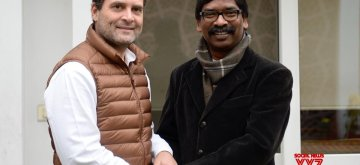 New Delhi: Congress President Rahul Gandhi meets Jharkhand Mukti Morcha leader Hemant Soren in New Delhi, on Feb 7, 2019. (Photo: IANS/AICC)