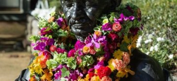 Sydney: The Gandhi bust at UNSW, adorned with flowers after the Gandhi Remembrance Ceremony. (Photo courtesy: Jacquie Manning/UNSW)