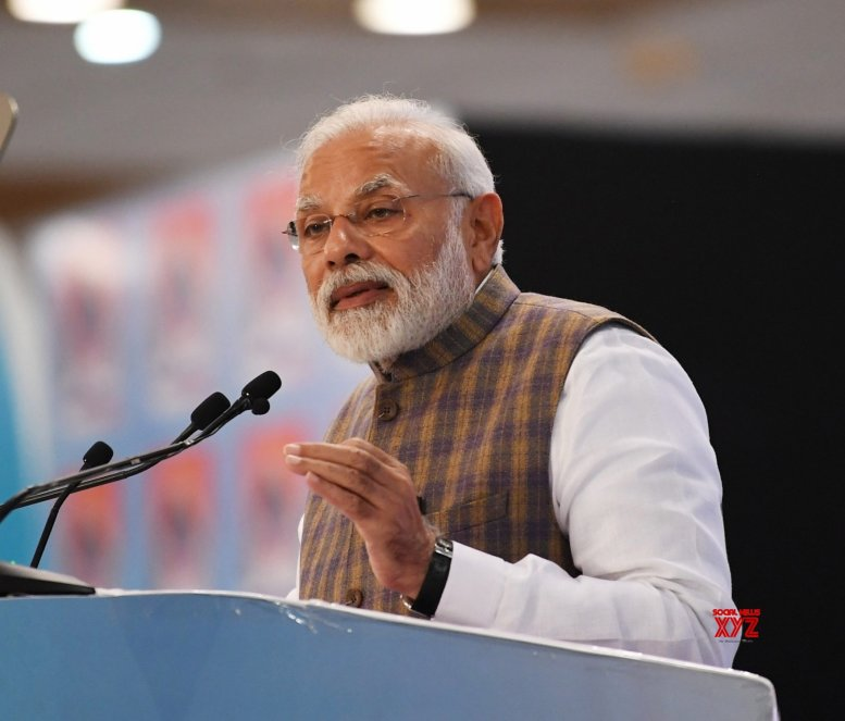 Need to move to responsible pricing in crude, balance interests: Modi
