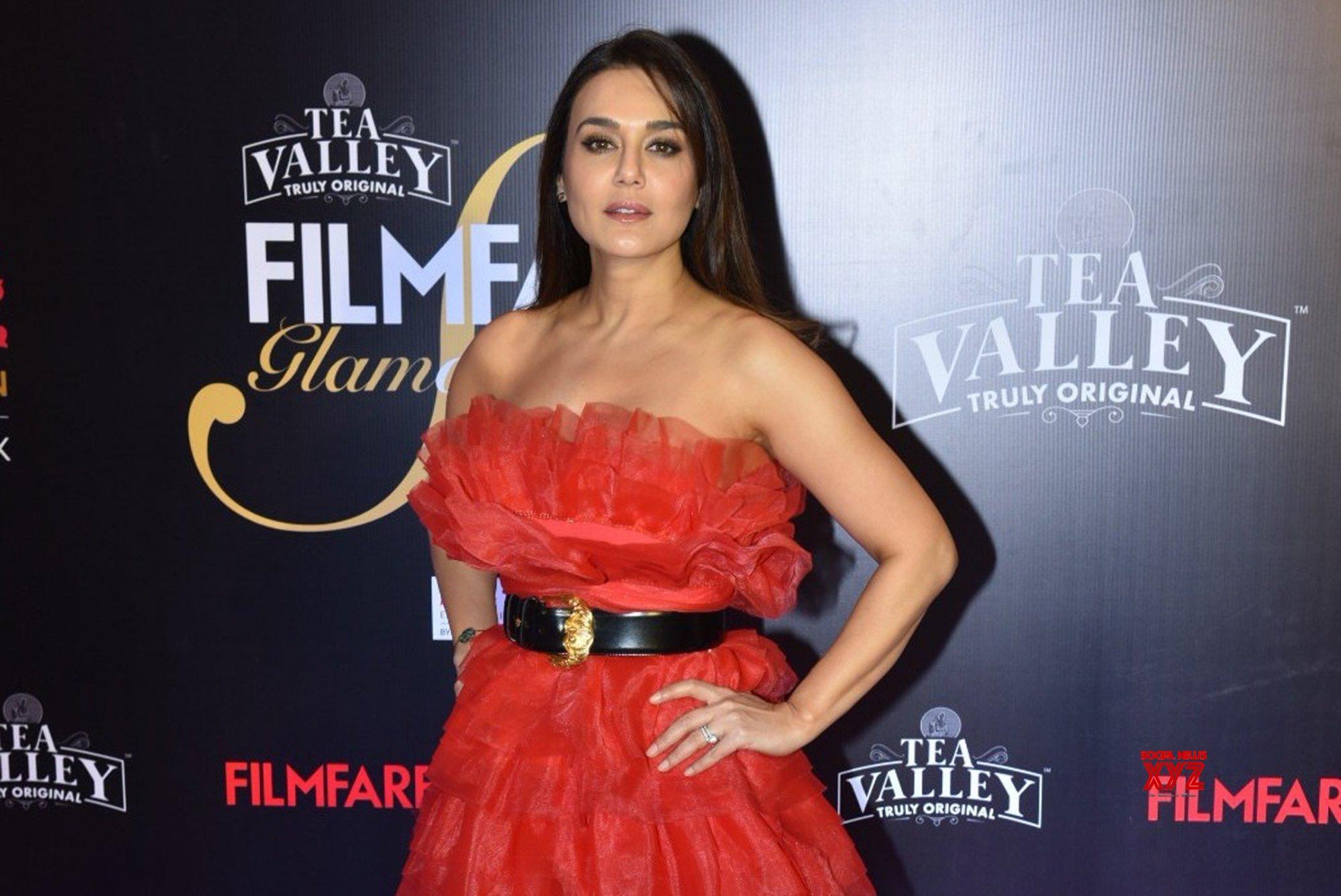 Mumbai: Filmfare Glamour And Style Awards 2019 - Preity Zinta #Gallery