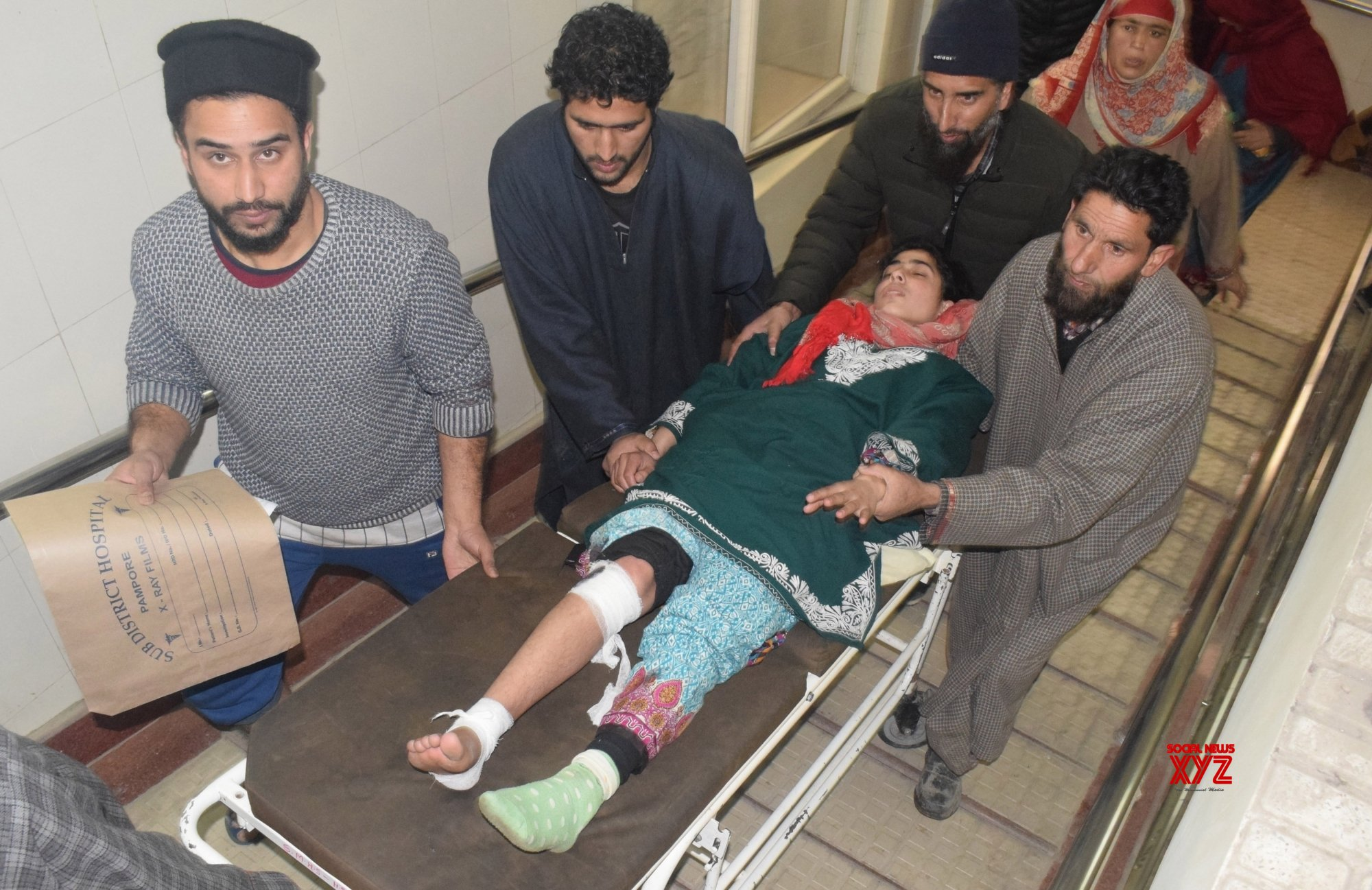 10 students injured in Kashmir blast