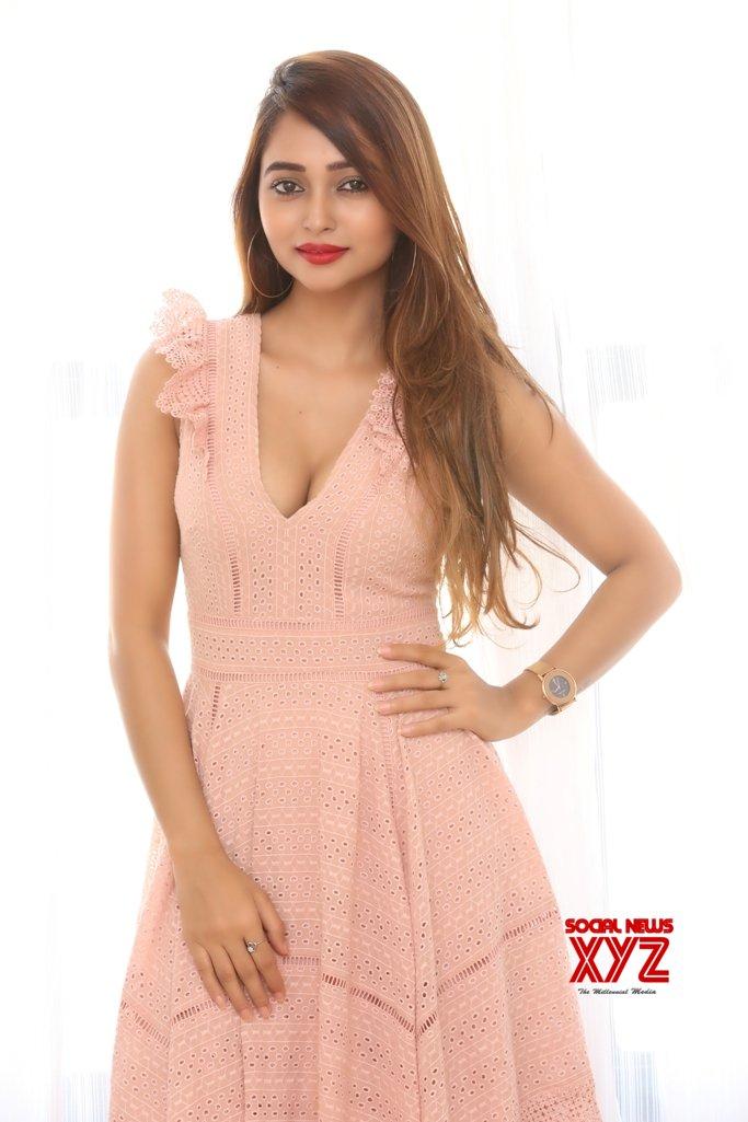 Actress Akiriti Singh Hot Stills