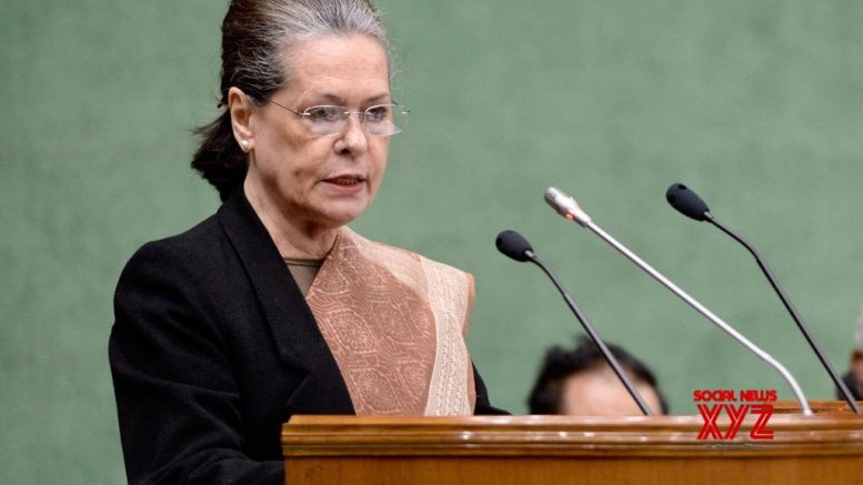 Government approaches Sonia ahead of Parliament session, 10 ordinances on agenda