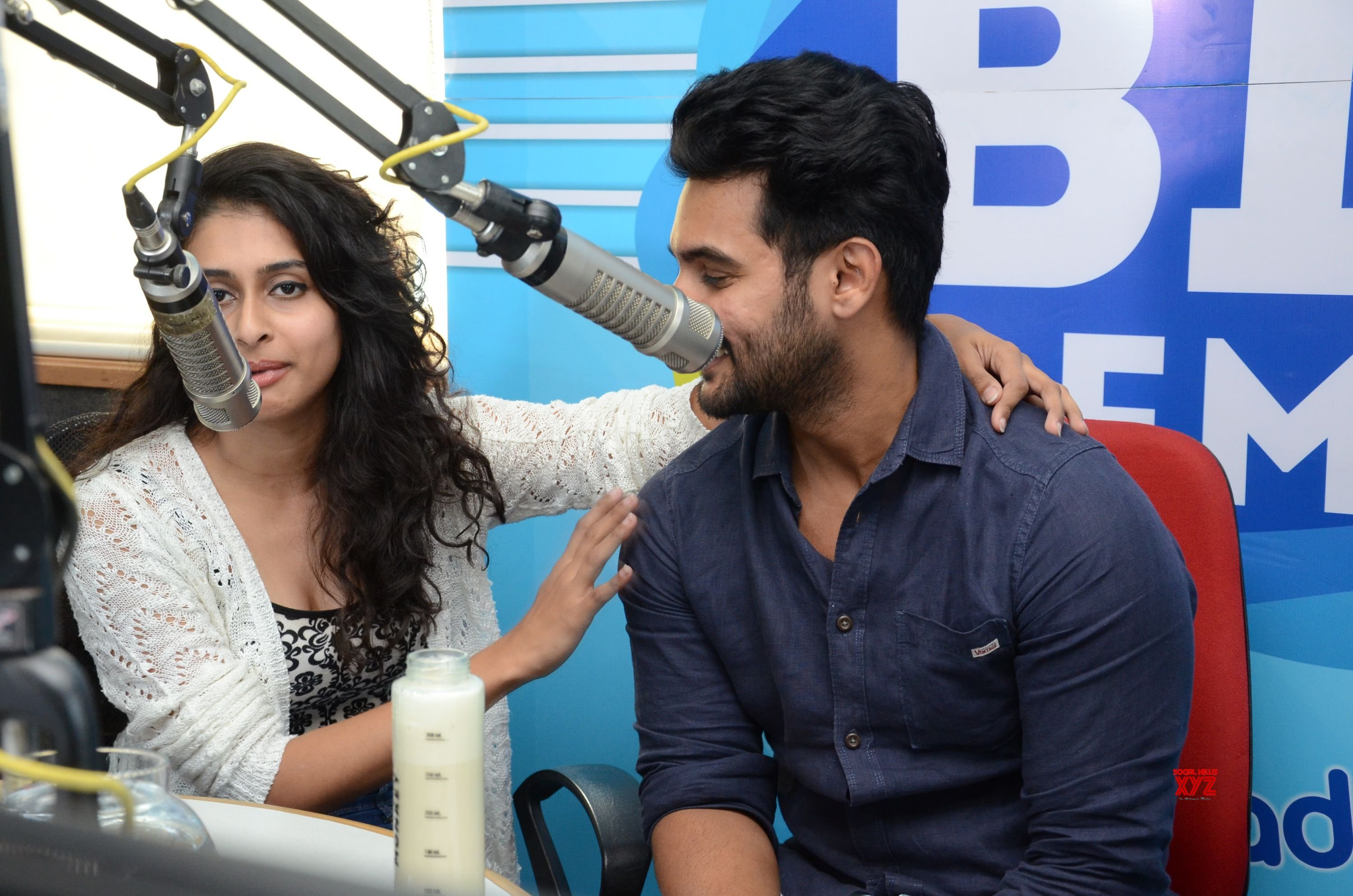 Operation Gold Fish Team Aadhi Saikumar And Nithya Naresh At 92.7 Big FM HD Gallery