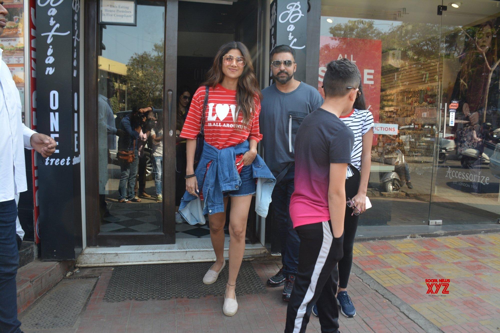 Mumbai: Shilpa Shetty, Raj Kundra seen at a restaurant