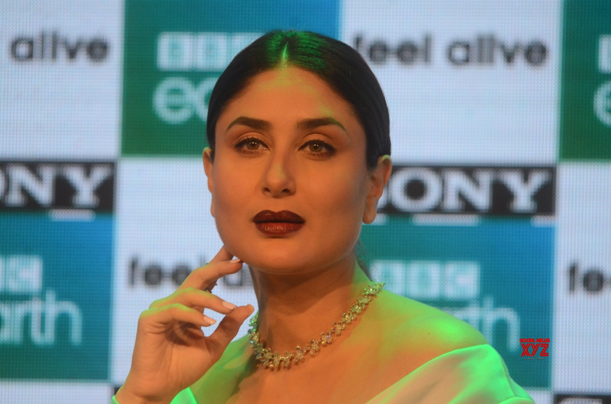 Kareena completes 20 years in Bollywood, shares memories of first film