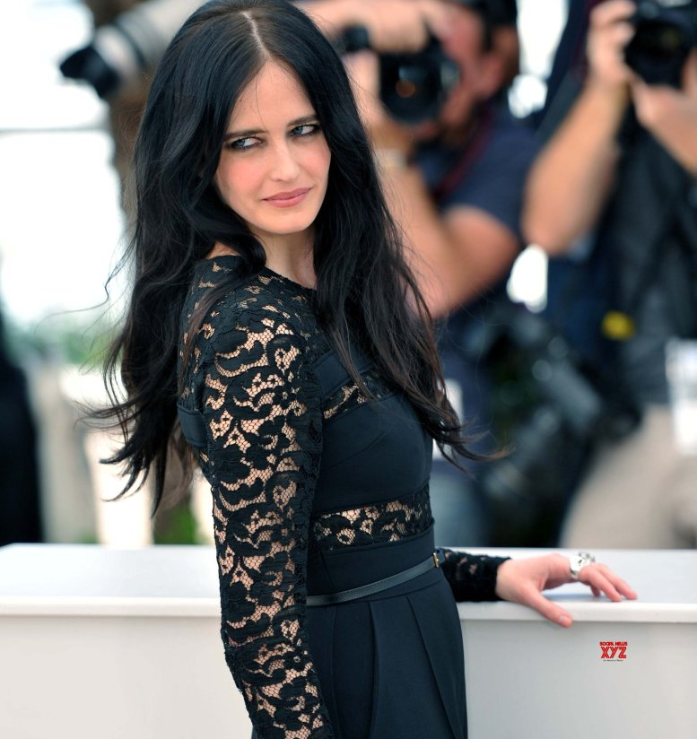 How Eva Green became real aerialist