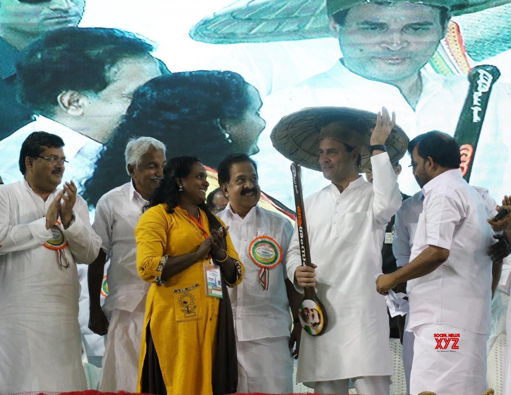 Thrissur: Rahul Gandhi addresses 'Fisherman Parliament' in Kerala (Batch - 2) #Gallery