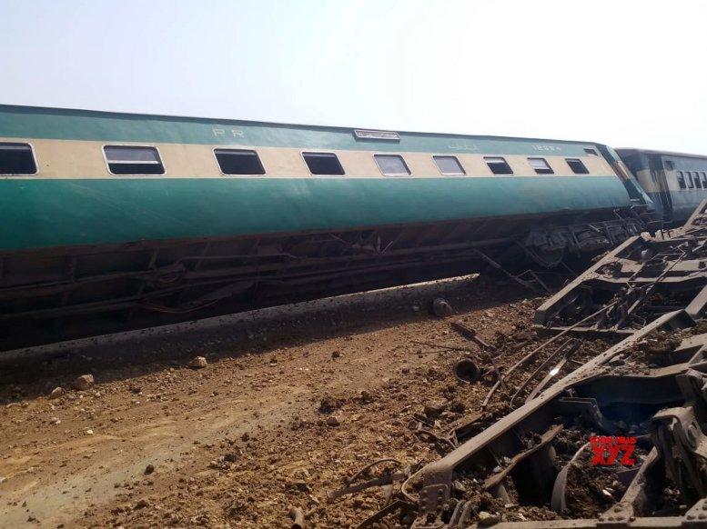 Four killed in Pakistan railway track blast