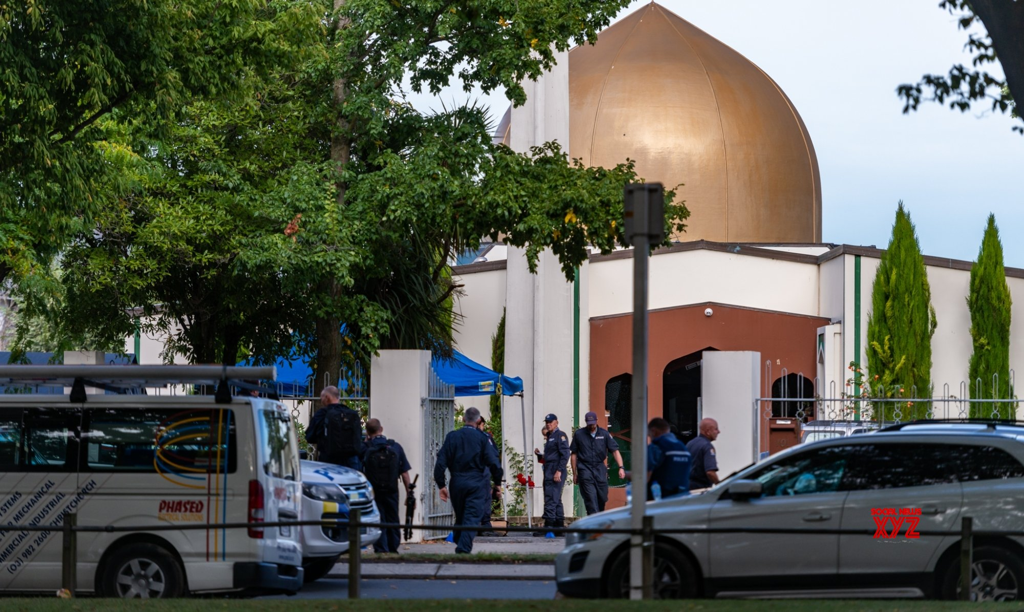 Youth rams Australian mosque gates, shouts abuses