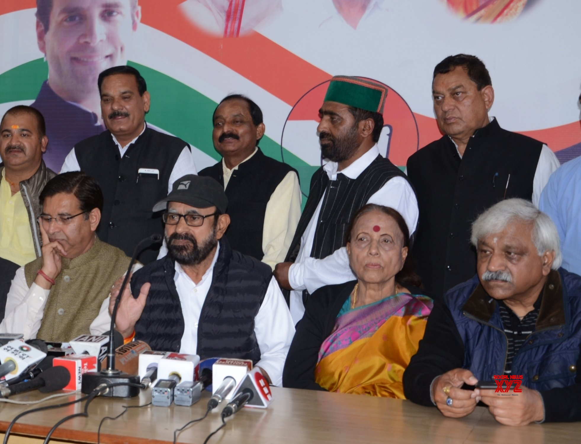 Dehradun: Congress press conference #Gallery