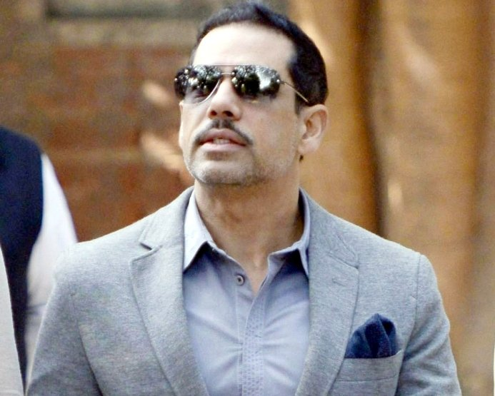 Vadra mocks Modi over brother's police escort demand