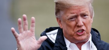 (190308) -- WASHINGTON, March 8, 2019 (Xinhua) -- U.S. President Donald Trump speaks to reporters before leaving for Alabama to survey areas devastated by powerful tornadoes, in Washington D.C., the United States, on March 8, 2019. (Xinhua/Ting Shen)