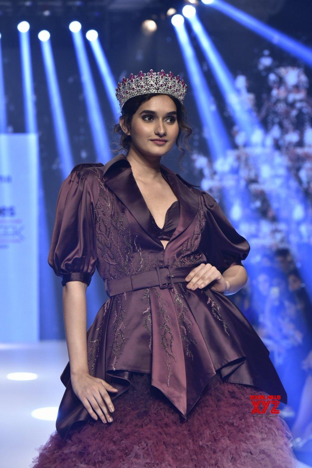 Mumbai: Bombay Times Fashion Week Spring /Summer 2019 - Day 3 - Dheeraj Sharma #Gallery
