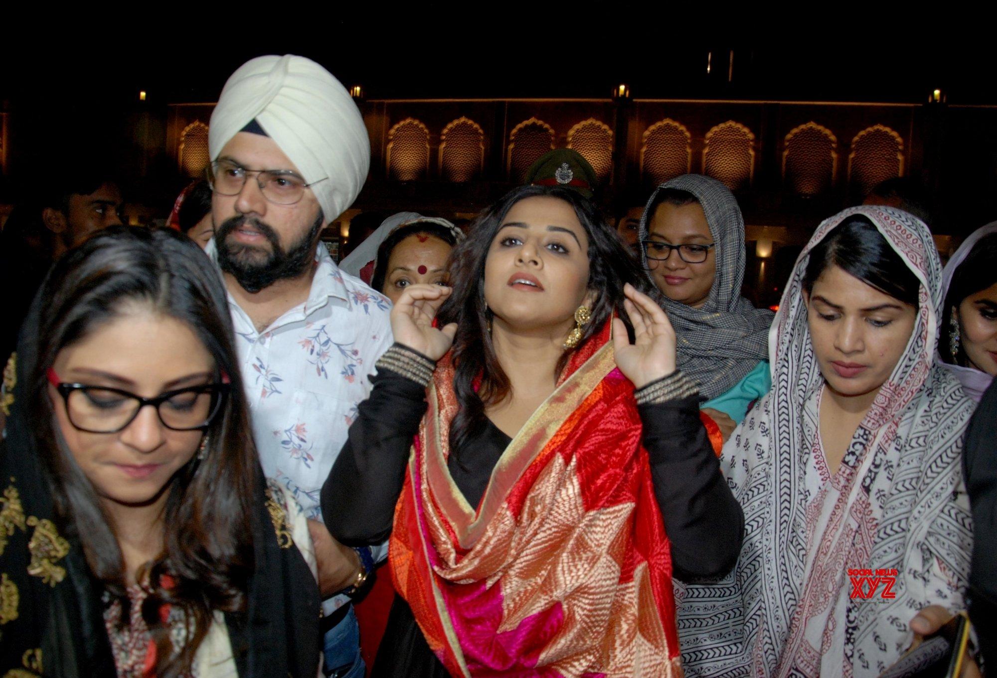 Amritsar: Vidya Balan visits Golden Temple #Gallery
