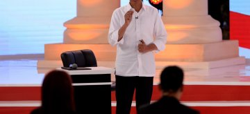 (190217) -- JAKARTA, Feb. 17, 2019 (Xinhua) -- Indonesian presidential candidate and incumbent President Joko Widodo speaks during a debate at Hotel Sultan, Jakarta, Indonesia, Feb. 17, 2019. Indonesia will hold its presidential election in April 2019. (Xinhua/Agung Kuncahya B.)
