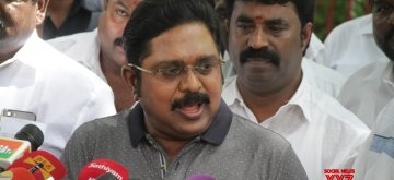 Chennai: Amma Makkal Munnetra Kazhagam (AMMK) chief T.T.V. Dinakaran addresses a press conference in Chennai, on Nov 2, 2018. (Photo: IANS)