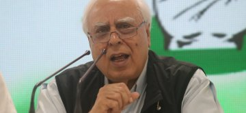 New Delhi: Senior Congress leader Kapil Sibal addresses a press conference, in New Delhi, on April 17, 2019. (Photo: IANS)