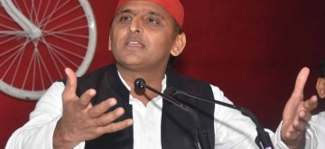 Lucknow: Samajwadi Party chief Akhilesh Yadav addresses a press conference in Lucknow, on April 19, 2019. (Photo: IANS)