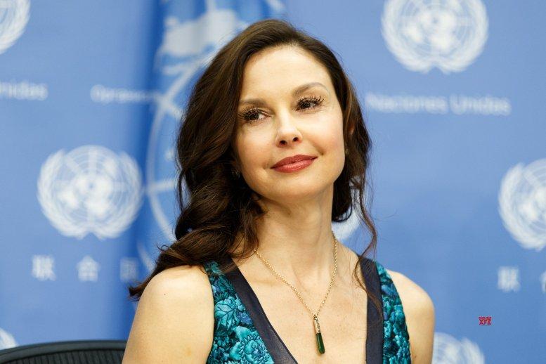 Judd, Harris to star in biopic on anti-gay activist