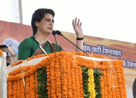 Priyanka dares BJP to clear stand on Pragya's Godse comment